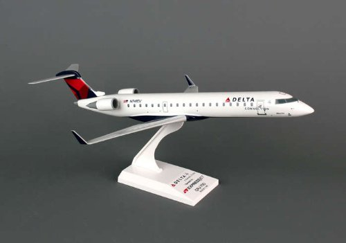 daron-skymarks-delta-connection-crj700-expressjet-1-100-scale