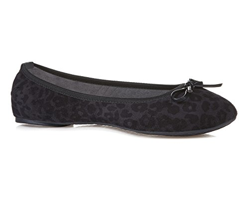 Butterfly Twists Womens Cece Packable Ballet Flat (Black Leopard, 6)