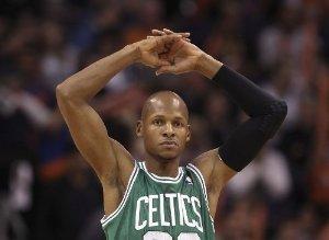 - Ray Allen 8X10 Photo - Boston Celtics #01