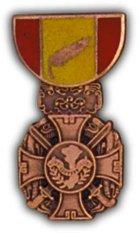 Military Vietnam Gallantry Cross Medal Hat Pin
