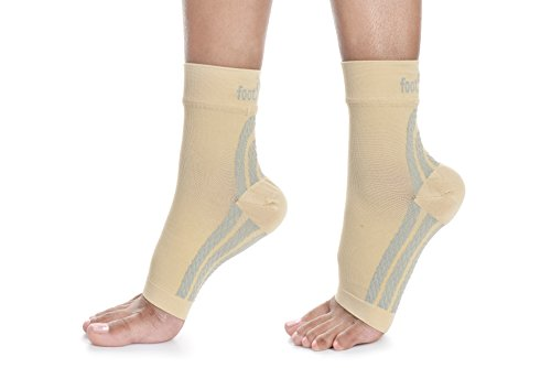 Footminders Plantar Fasciitis Compression Socks/Sleeves (Pair) - Relieve foot and heel pain due to flat feet or heel Spurs - Improve blood circulation and recovery (SMALL (M:3-5.5/W:4-6.5), Nude)