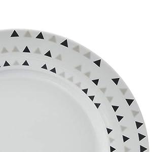 AmazonBasics 18-Piece Dinnerware Set – Triangle Accent, Service for 6