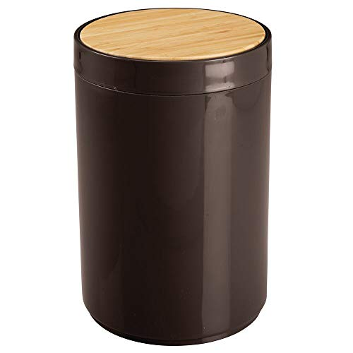 Chocolate Brown Finish Wood - mDesign Small Round Plastic Trash Can Wastebasket, Garbage Container Bin with Bamboo Swing Top Lid - for Bathrooms, Kitchens, Home Offices - 1.3 Gallon/5 Liter - Chocolate Brown/Natural Wood Finish