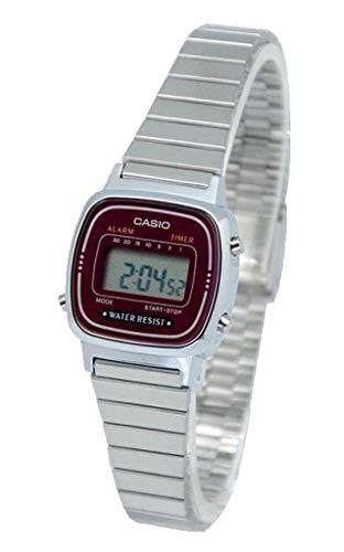 Casio Women's Digital Watch with Metal Bracelet LA-670WA-4 ()