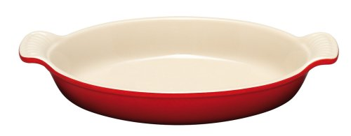 Le Creuset Heritage Stoneware 24-Ounce Oval Au Gratin Dish, Cerise (Cherry Red)]()