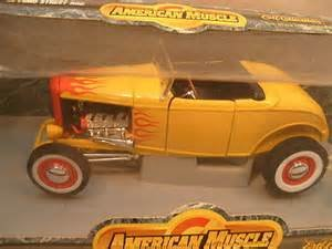 #7945 Ertl American Muscle '32 Ford Street Rod, Yellow with Flames 1/18 Scale Diecast