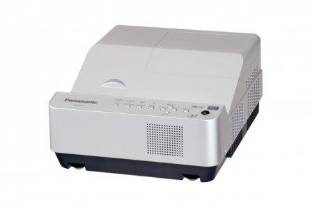 パナソニック 超短焦点 1チップDLP方式プロジェクター PT-CX200   B00BQ4AM8Y