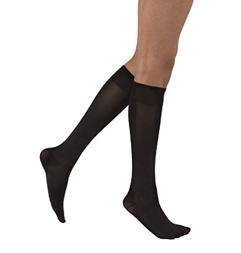 JOBST Opaque SoftFit 15-20 mmHg Closed Toe Knee High Compression Stocking, Classic Black, Medium ()