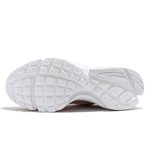 Nike Presto Fly, Scarpe da Ginnastica Basse Donna Marrone (Sand/Desert Sand/Sail 201)