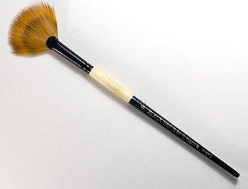Black Gold Fandango by Dynasty - Size 6 (one brush) ()