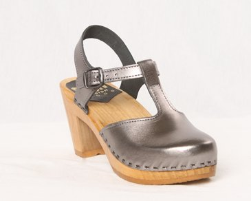 Amazon.com | Sven Clogs T-Strap 3