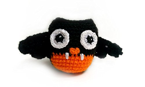 Amigurumi crochet vampire owl by Geekirumi! - Glow in the dark toy - Halloween (Creepy Halloween Decorations Homemade)