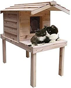7. CozyCatFurniture Waterproof Insulated Cedar Outdoor Cat House