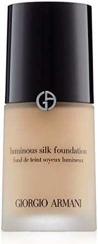 Face Makeup: Giorgio Armani Luminous Silk Foundation