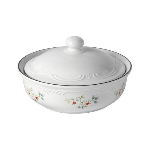 Pfaltzgraff Winterberry Round Covered Casserole Dish, 1-Quart
