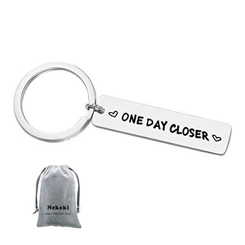 Long Distance Relationship Keychain Gift One Day Closer Keychain Boyfriend Girlfriend Gift Best Friends Gift Valentines Gift for Husband Wife Girlfriend Boyfriend (Best Valentine Gift For Long Distance Boyfriend)