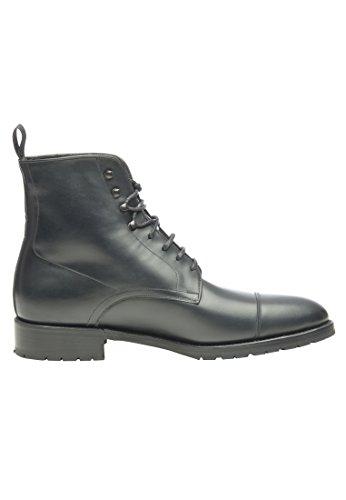 Shoepassion Nr. 675 Van Hoge Kwaliteit Winter Schoenen Voor Mannen. Volledig Lederen Laarzen Met Gezellige Shearling Voeding En Non-slip Rubberen Zool. Zwart