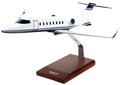 Learjet 45 - 1/35 scale model - 1/35 scale model