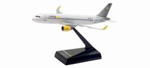 Herpa 610889 Vueling Airlines Airbus A320/