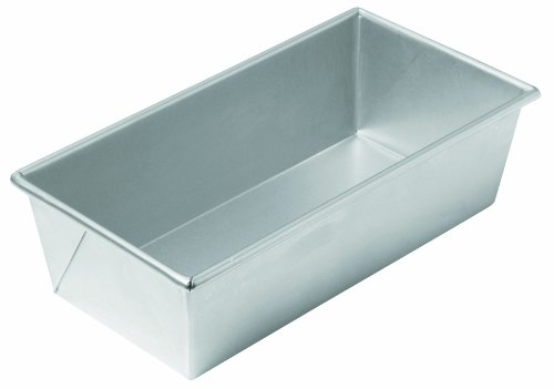 Chicago Metallic Commercial II Traditional Uncoated 1-1/2-Pound Loaf Pan ()