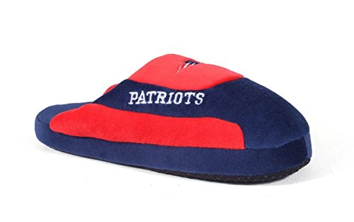 NEW07-2 - New England Patriots - Medium - Happy Feet & Comfy Feet NFL Low Pro Slippers (England Patriots New Wear)
