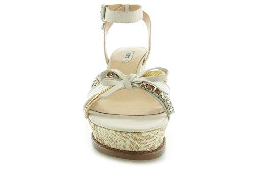 Chaussures avec calage ouvertes Sandales femme Modèle Guess FL2HLWLEA04 Colonel crème.