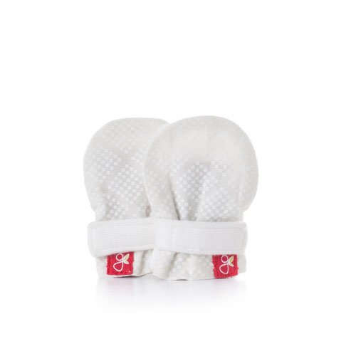 goumikids - goumimitts, Scratch Free Baby Mittens, Organic Soft Stay On Unisex Mittens, Stops Scratches and Prevents Germs - (Diamond Dots - Cream, Micropreemie)