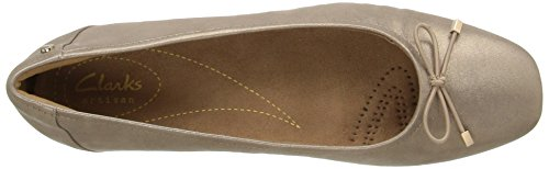 CLARKS Damen Candra Light Flat Champagne Metallisches Leder