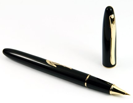 Golden Crocodile Carved Black Cigar Fountain Pen Nib Fine with Push in Style Ink Converter