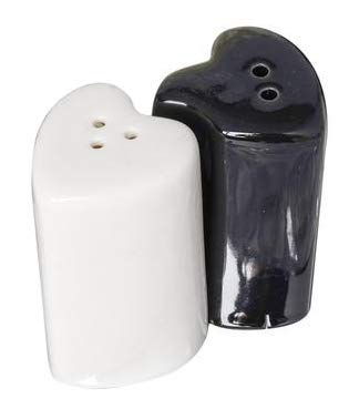 Bride and Groom Heart Shaped Salt and Pepper Shakers Wedding Table Set Gift Boxed