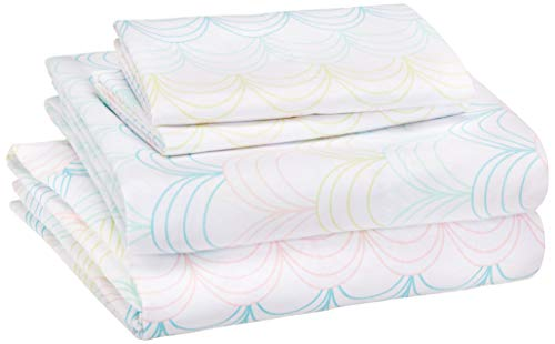 AmazonBasics Kid's Sheet Set - Soft, Easy-Wash Microfiber - Queen, Multi-Color Scallop