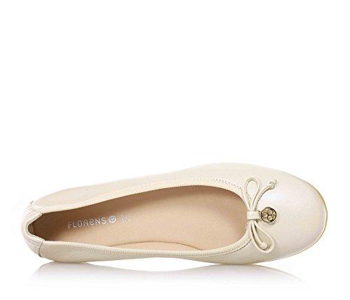 FLORENS - Ballerine crème en cuir, petit arc sur la partie antérieure, logo en métal et semelle en caoutchouc, Fille, Filles, Femme, Femmes