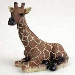 Sitting Giraffe Miniature Resin Figurine (Sitting Giraffe)
