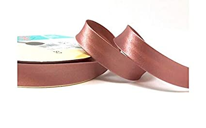 N.B. this is a cut from a roll, presented on a Berties Bows ribbon card Dark Red Byetsa Satin Fold 18mm Bias Binding on a 3m length
