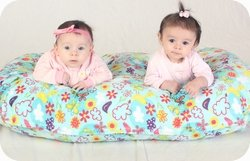 THE TWIN Z PILLOW - PINK The only 6 in 1 Twin Pillow Breastfeeding, Bottlefeeding, Tummy Time & Support! A MUST HAVE FOR TWINS! - CUDDLE PINK DOTS by Twin Z PIllow (Image #6)