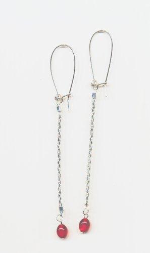 1 paire Boucles d'oreilles metal, ,petites perles rouges. perles argentees, Accessoires argentes. frais de port gratuit.