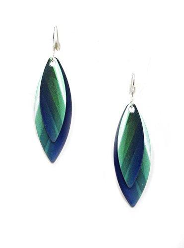 ue Green Twirl Slender Earrings (Aurora Salt)