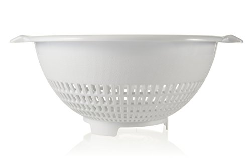 White Plastic Strainer - Arrow 4 Quart White Plastic Colander