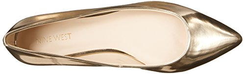 Nine West Onlee sintético del dedo del pie puntiagudo plana Light Natural