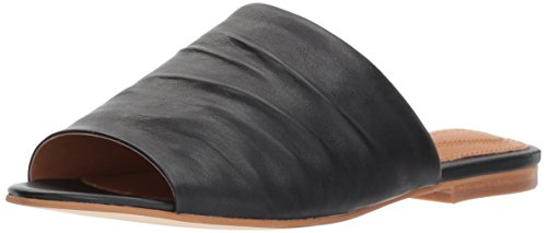 Corso Como Women's CC-BEACHAVEN Flat Sandal, Black, 8.5 Medium US