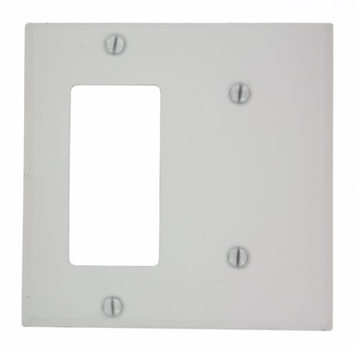 Leviton P1426-W 2-Gang 1-Blank Decora/GFCI Device Combination Wallplate, White by Leviton