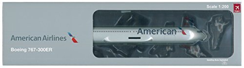 Hogan HG0496 American Airlines Boeing 767-300ER 1:200 Scale With Gear & Stand by Hogan (American Airlines Boeing 767 300)
