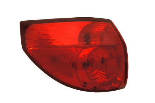 TOYOTA 81560-AE020 Driver Side Taillight Assembly Outer