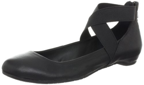 Kenneth Cole REACTION Women's Pro-Time Flat,Black,9.5 M US