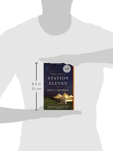 Station Eleven: Emily St. John Mandel: 9780804172448: Amazon.com ...