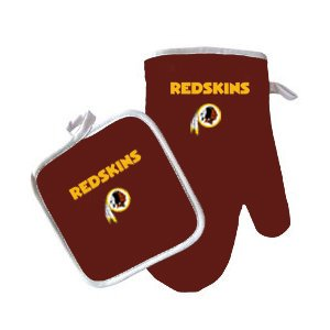Washington Redskins NFL Team Logo Kitchen Home Outdoor Indoor BBQ Picnic Oven Mitt Glove and Potholder Set ()