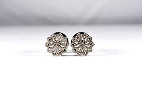 Pretty Silver Poinsettia Flower Plugs - Available in 0g, 00g, and 1/2in -