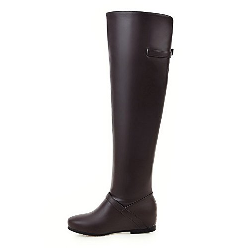 AllhqFashion Damen Rein Niedriger Absatz Rund Zehe Ziehen auf Stiefel mit Schnalle, Weiß, 35