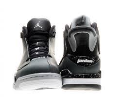 Nike Jordan 1 Flight 4, Chaussures de Basketball Homme, Noir/Noir/Gris, 44.5 EU Noir (Noir / Gris Loup-blanc)