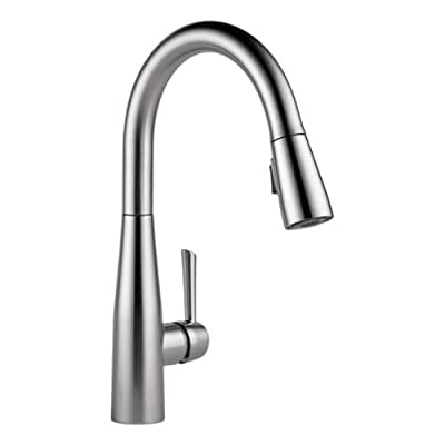 Delta 9113-DST Essa Pull-Down Kitchen Faucet with Magnetic Docking Spray Head -,